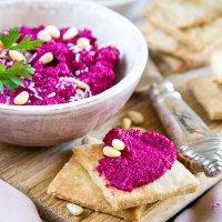 Beetroot dip with coriander crackers