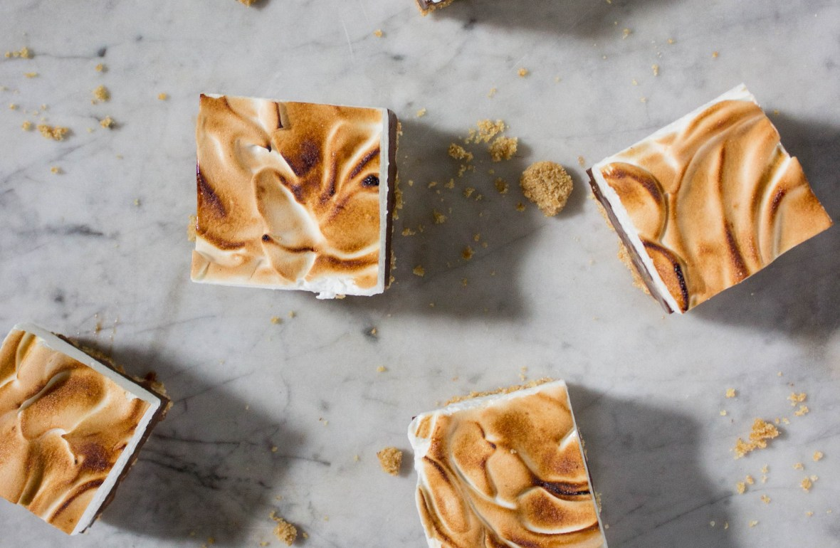 s'mores fudge, cut into squares on top of a marble counter