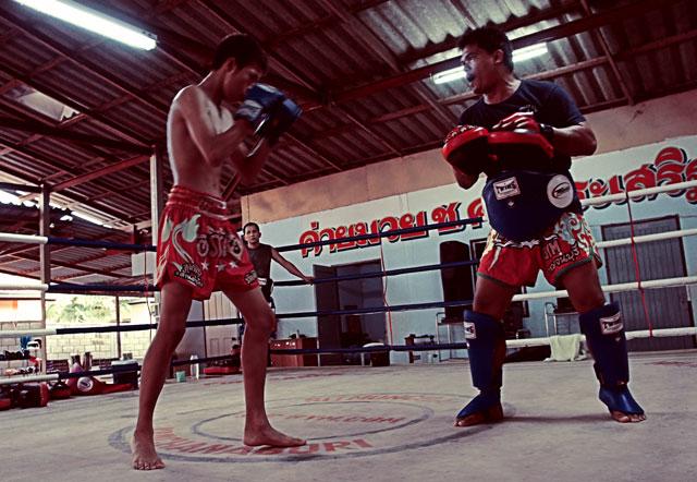 make-money-to-train-muay-thai