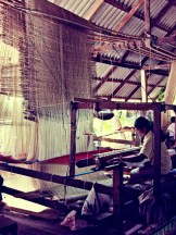 thai-silk-weaving