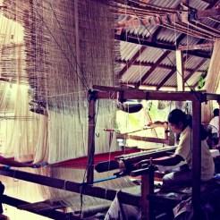 thai-silk-weaving