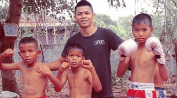 boom-watthanaya-with-child-fighters