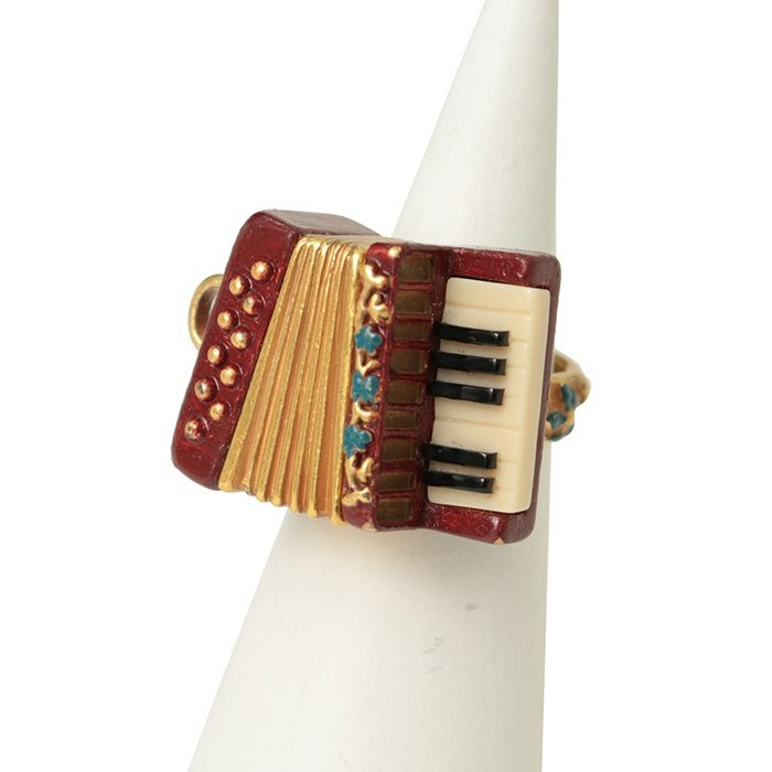 Jane Marple Accordion Ring