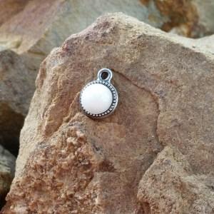 Round Beaded Bezel Pendant - Milk Vine Jewelry