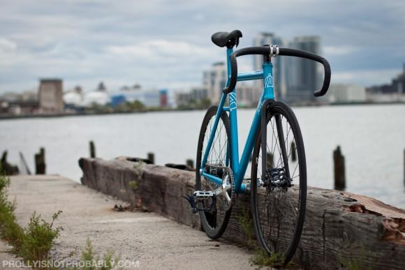 Велосипед фиксед-гир