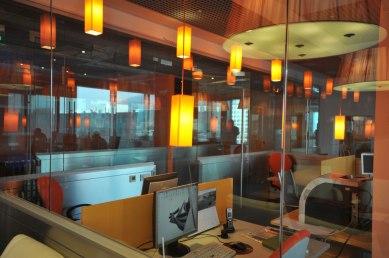 Дизайн интерьера офиса в стиле хай-тек. Перегородки