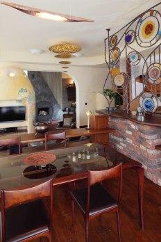 Дизайн интерьера квартиры в стиле Гауди. Столовая