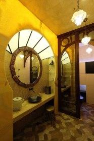 Дизайн интерьера квартиры в стиле Гауди. Ванная комната