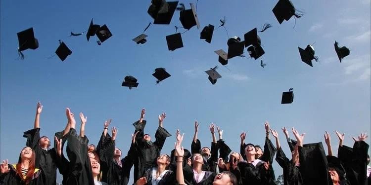 college-graduation-celebration