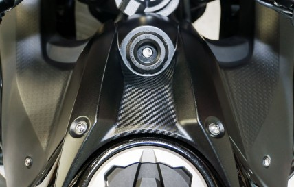 The carbon fiber vinyl key protector is a small detail that looks awesome!