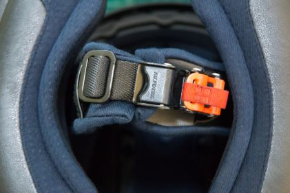 Here's the HJC Rpha Max Evo Helmet's original buckle. As you can see, it comes from the factory with a micrometric buckle.