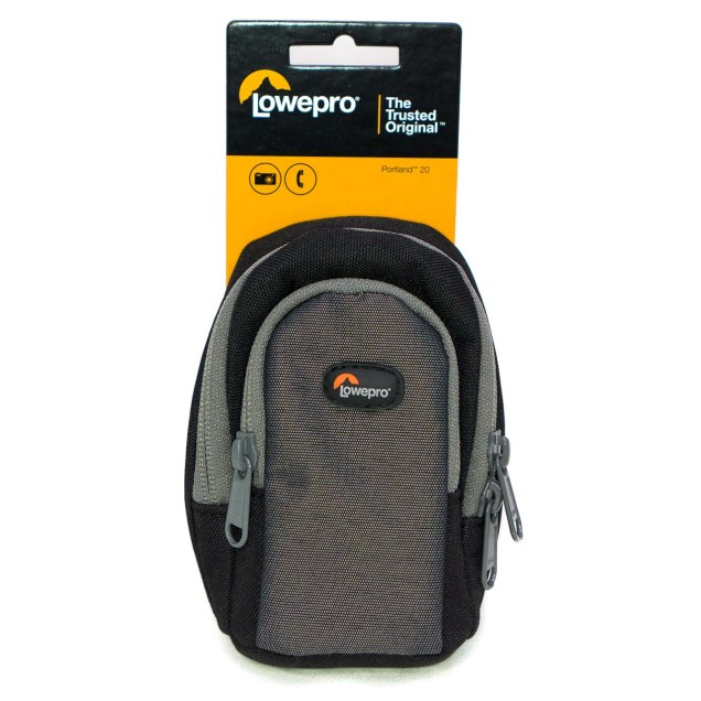 As you might've guessed from the name, the Lowepro Portland 20 is the Portland 30's little brother - it's exactly the same, but smaller.
