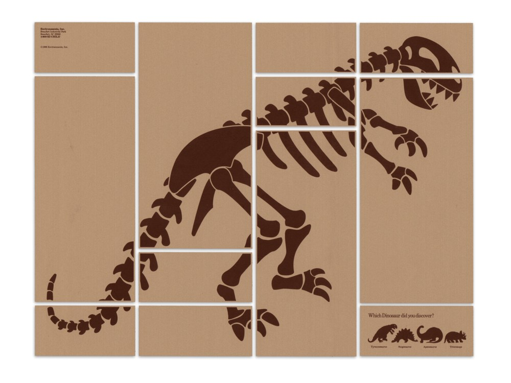 The box panels can be arrange to create a dinosaur skeleton.