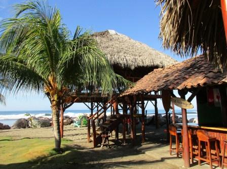 Monty's Beach Lodge