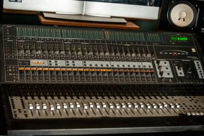 mixer-board-pic