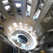 Barcelone, Sagrada Familia, intérieur d'une des tours