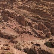 Les tombes vues du Haut-lieu du Madhbah