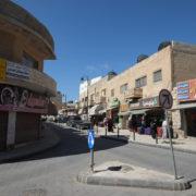 Madaba. Dans les rues commerçantes de Madaba