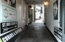 alley-in-st-ives