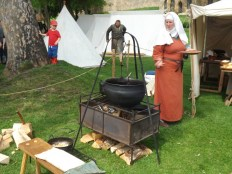 Cooking using a cauldron