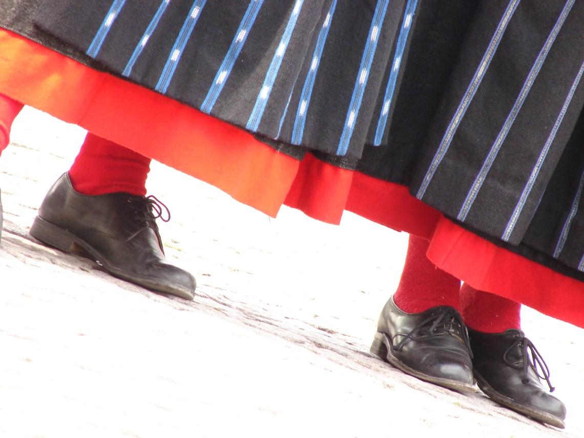 Folkdansfötter