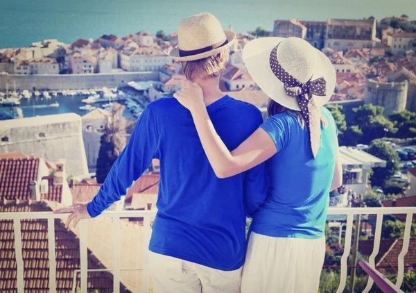 Can You Share AMEX Membership Rewards & Citi ThankYou Points With Your Spouse?