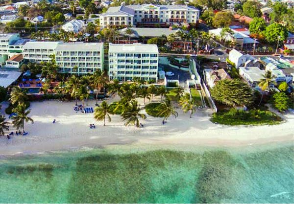 5 Great Hotels in the Caribbean & Mexico to Book With Marriott Premier Card's Free Anniversary Night
