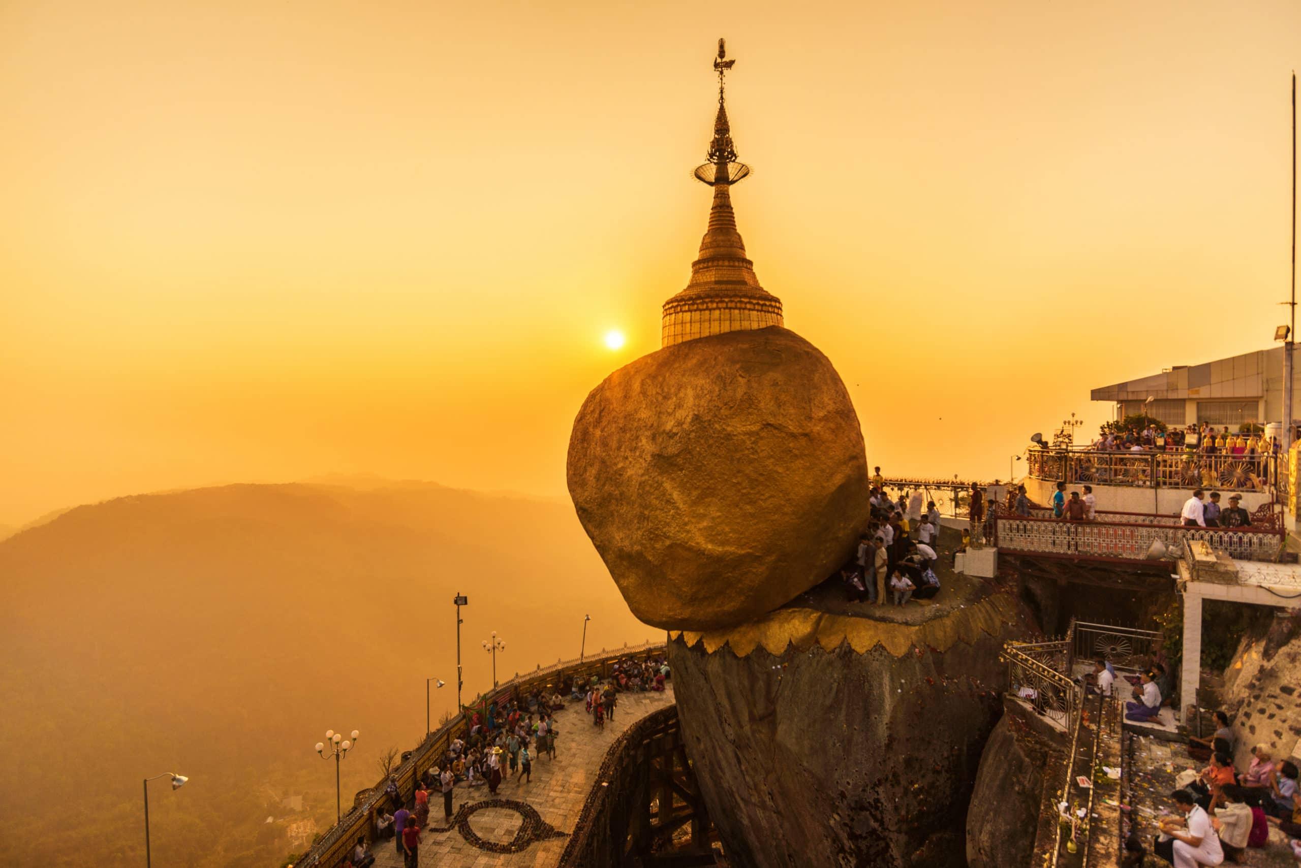 Kết quả hình ảnh cho kyaiktiyo pagoda, golden rock