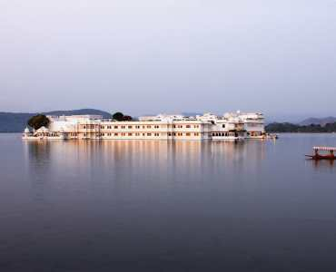 Taj Lake Palace, Udaipur, Rajasthan, India | Luxury Palace Hotel | Millis Potter Travel