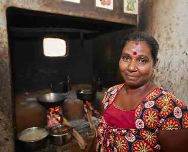 Local Lady in Sri Lanka | Immersive Tours to Sri Lanka | Millis Potter Travel