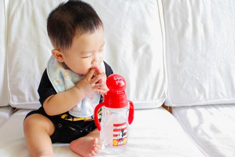 寶寶用品》vivibaby 迪士尼彈跳水杯-米奇。讓寶寶每天喝水心情都開心