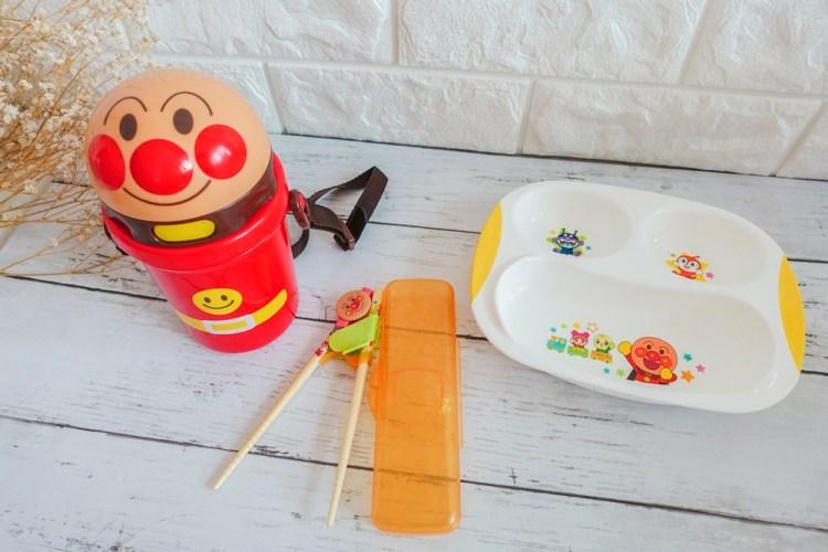 育兒用品》超人氣麵包超人用品。讓孩子自動愛上吃飯和喝水