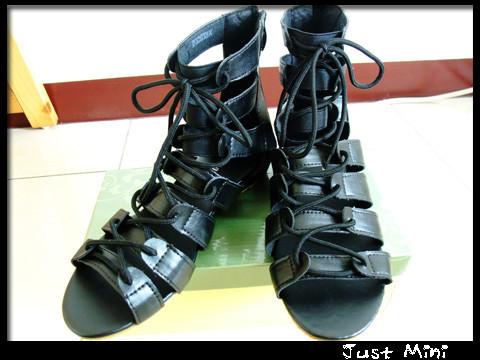 【穿搭】今年就是要穿羅馬涼鞋