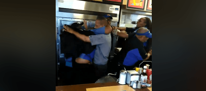 Two women brawl at Waffle House over who will wash dishes