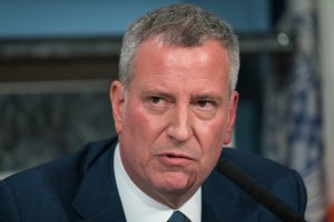 Mayor de Blasio Announces He's Released Hundreds of Inmates From NYC Jails