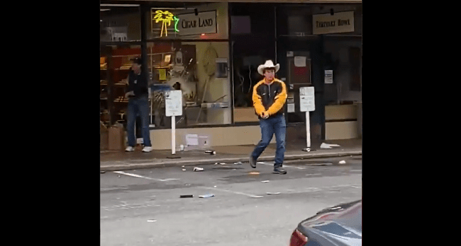VIDEO: Armed Cigar Store Owners Kick Looters Out Of Their Shop