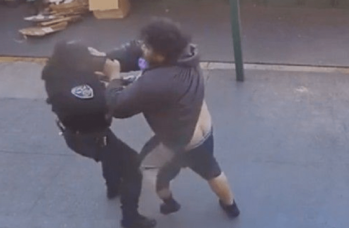 VIDEO Bystanders Rescue Female San Francisco Police Officer From Crazy Man