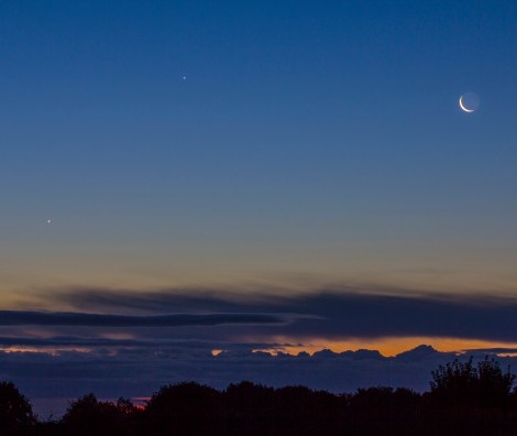 Triple Conjunction of the Moon Venus and Jupiter over Yorkshire
