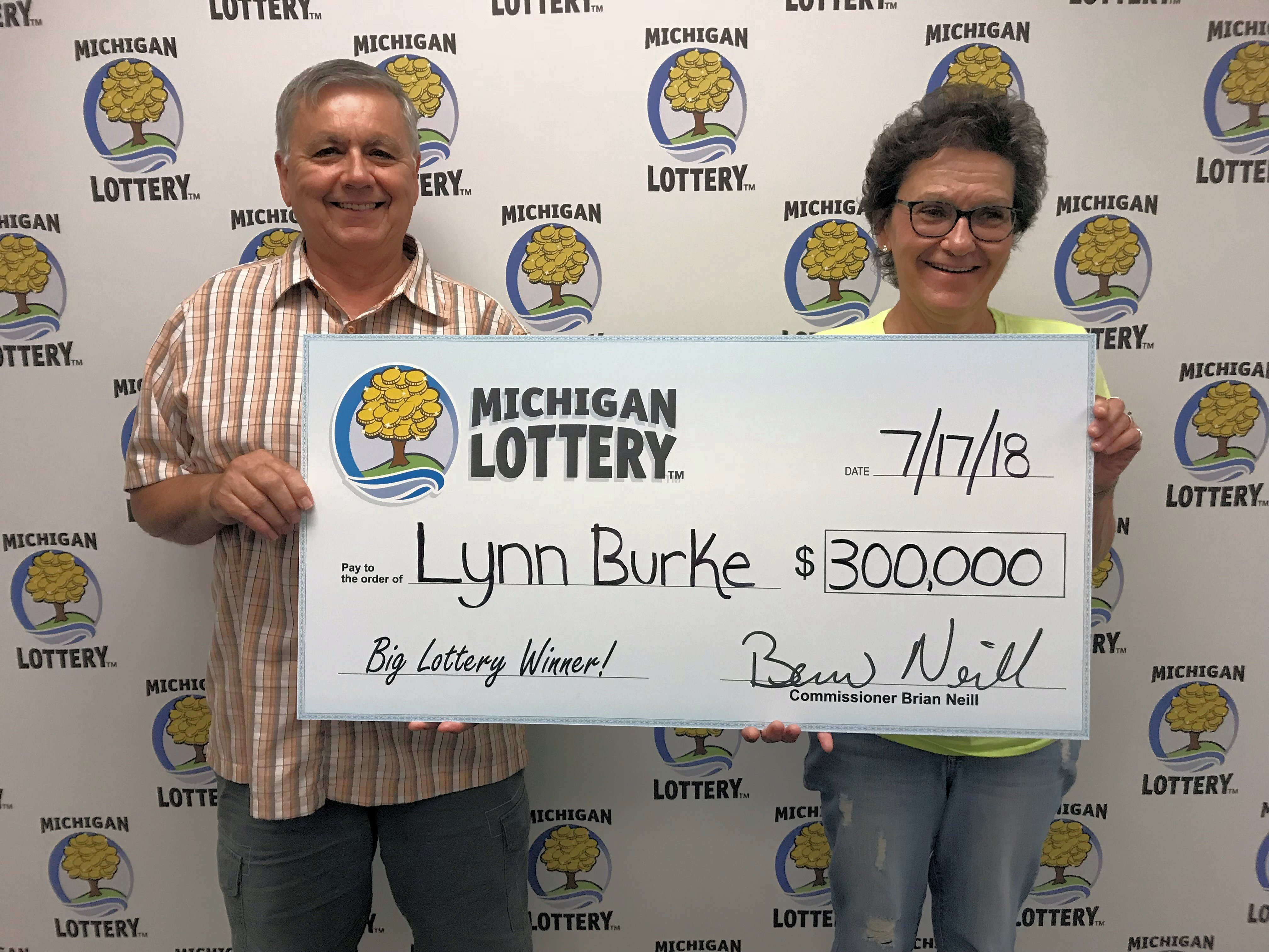 Upper Peninsula Woman Wins $300,000 Playing the Michigan