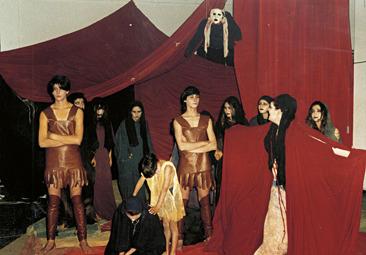 """Παράσταση στο Πολυκλαδικό : """"Οι Τρωάδες"""" του Ευρυπίδη."""