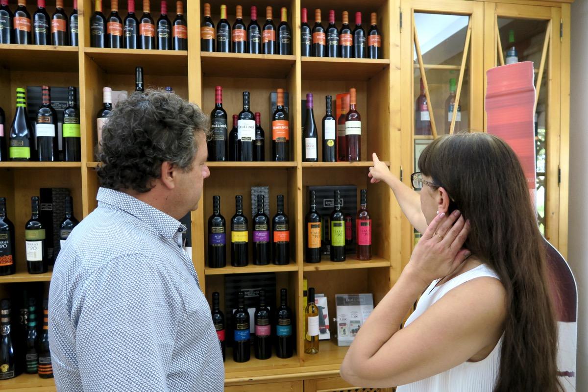 MilVinhos veinipood-Ermelinda veinitootja juures