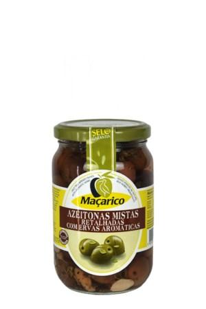 oliivid maitsetaimedega