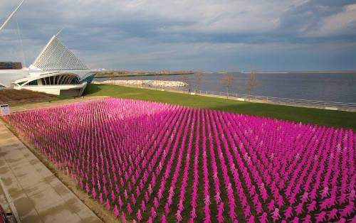 breast-cancer-awareness-pink-cutouts-milwaukee-art-musuem-lakefront-kohls