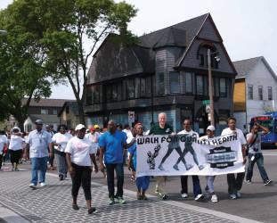bhcw-african-american-walk-for-quality-health-mayor-tom-barrett