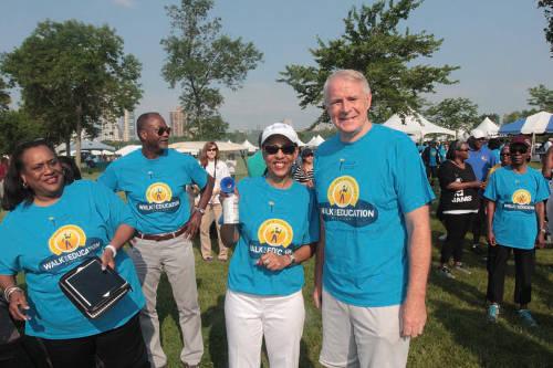 Mayor Tom Barrett with other walk/run dignitaries