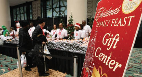 salvation-army-christmas-family-feast-11