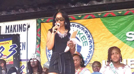 Andrea Williams of Jammin' 98.3, a Juneteenth sponsor, hosts the opening ceremony. (Photo by Mrinal Gokhale).