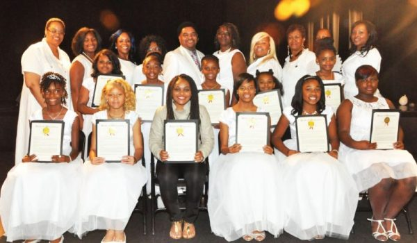100-white-dresses