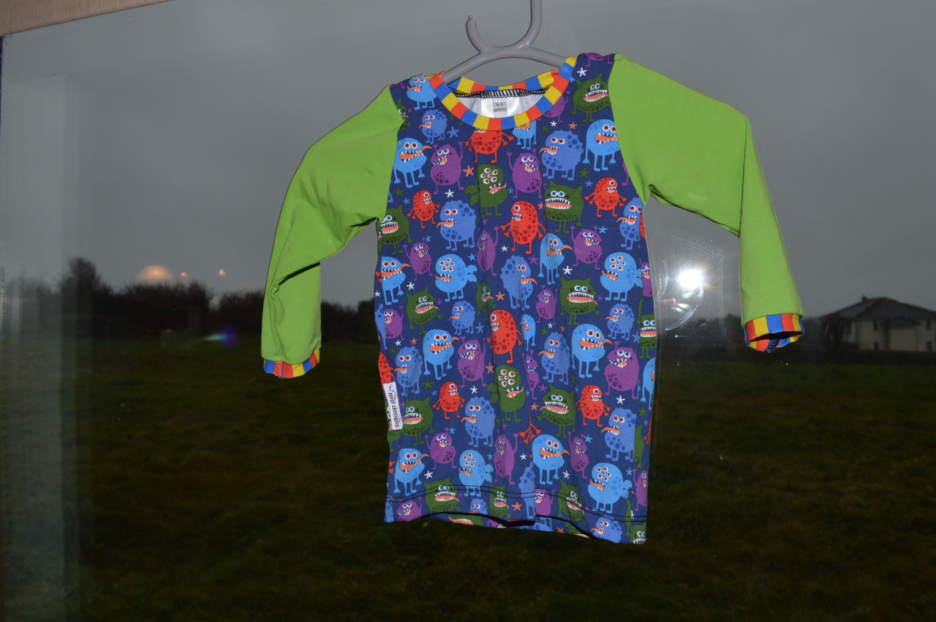 lap tee monsters – size / age 6-9 months