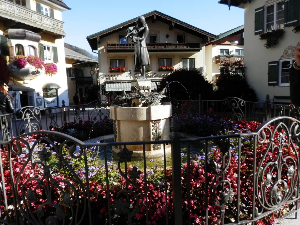 Estatua Mozart St Gilgen